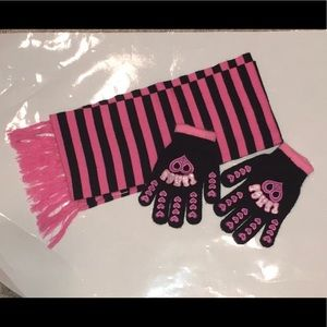 Girls Scarf and gloves